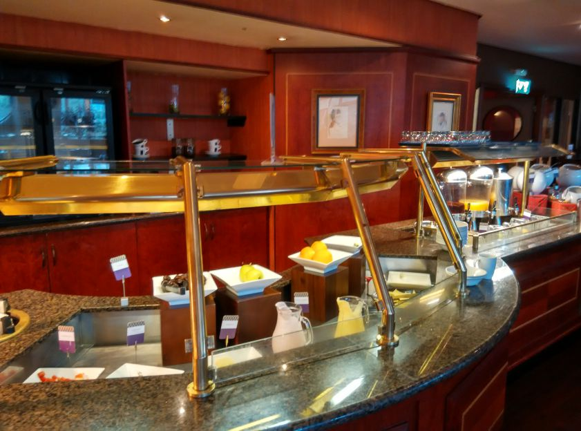 mercure-edinburgh-princes-street-breakfast-fruits
