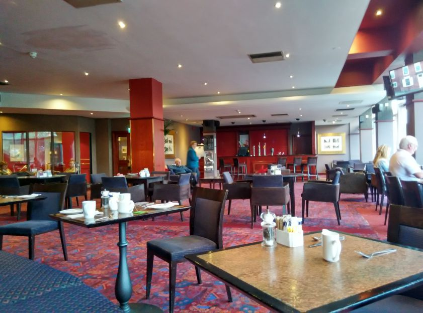 mercure-edinburgh-princes-street-restaurant