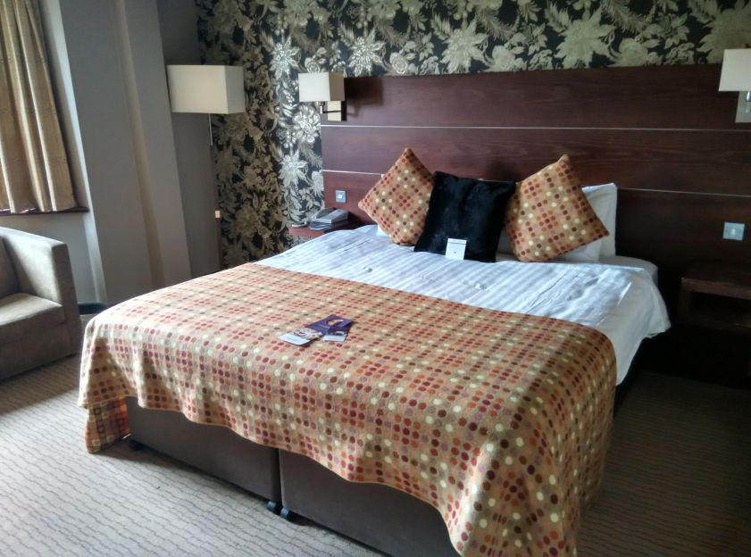 mercure-edinburgh-princes-street-room-1