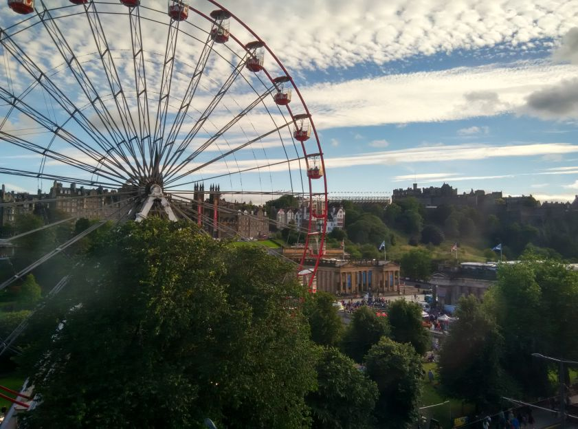mercure-edinburgh-princes-street-room-view