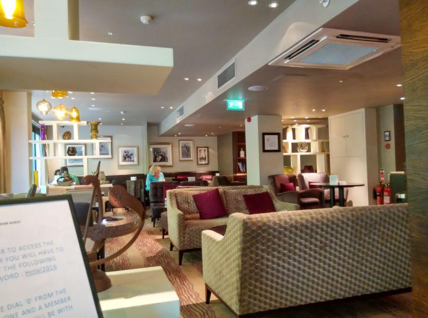 hilton-london-olympia-lounge
