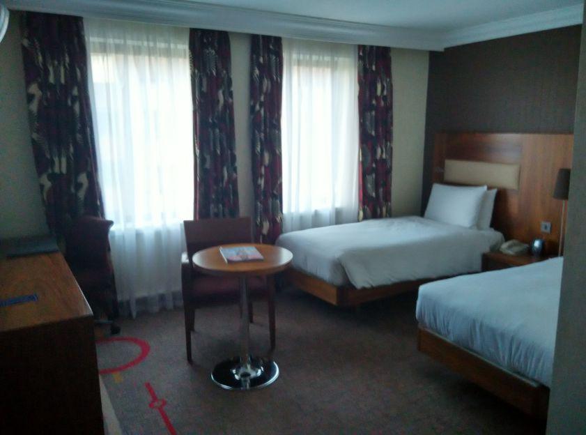 hilton-london-olympia-room-1