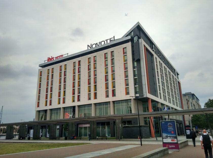 ibis-london-excel-docklands-building