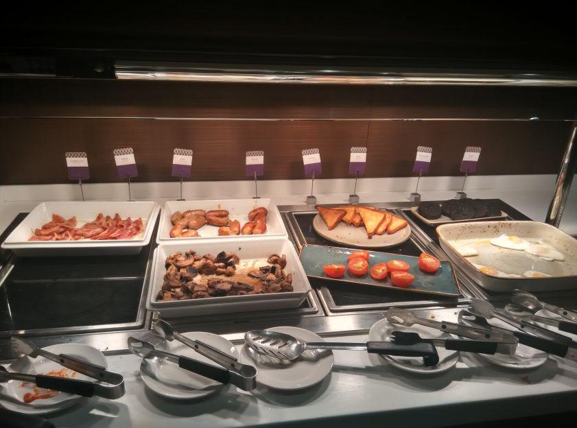 mercure-leicester-breakfast-hot