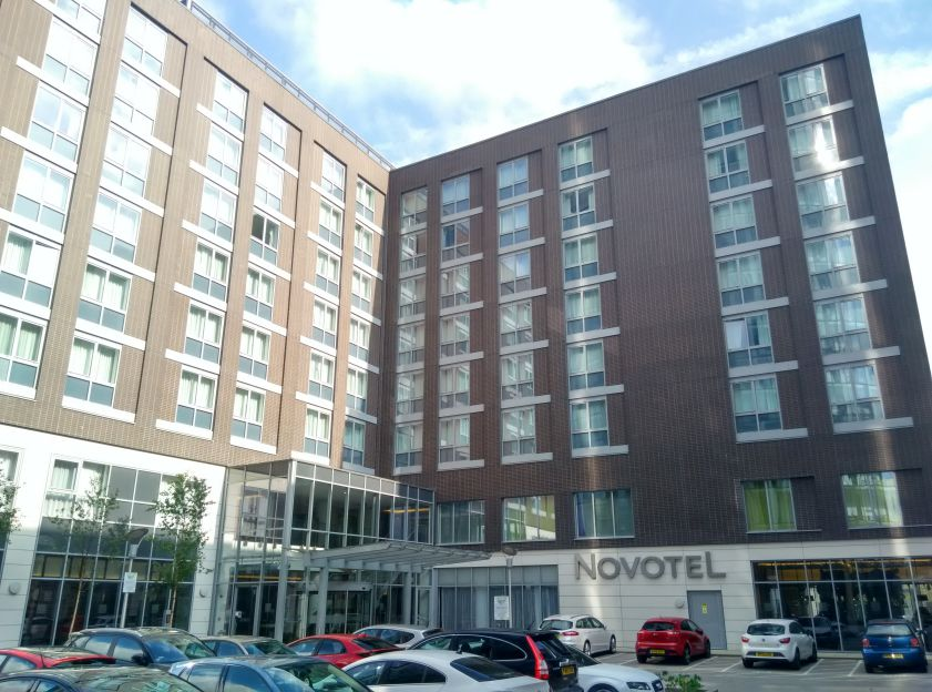 novotel-london-brentford-exterior