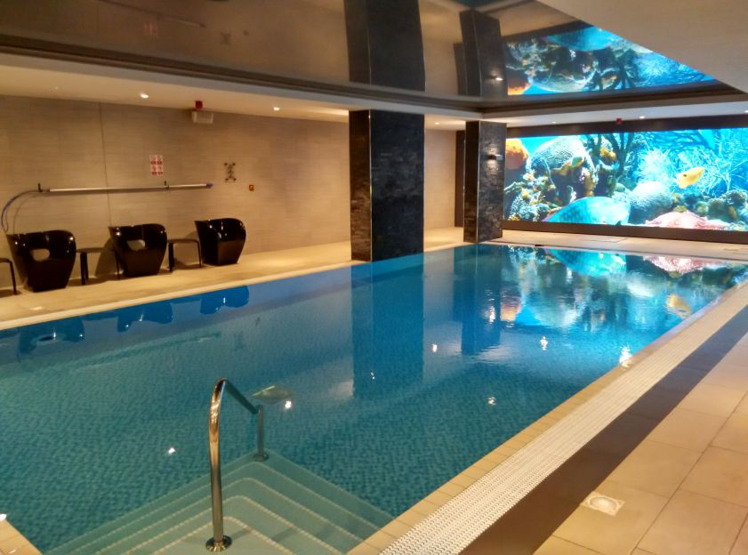 novotel-london-brentford-swimming-pool