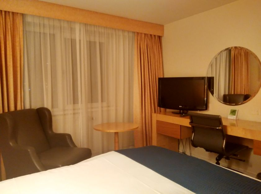 holiday-inn-basildon-room-2