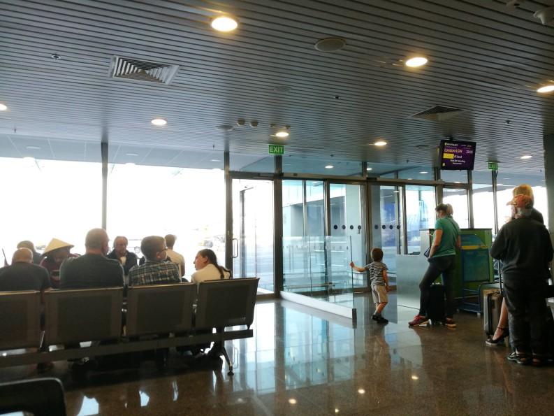 【飞行体验】乌克兰航空737-800 – 商务舱